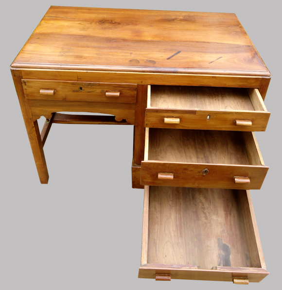 Petit bureau ancien en teck originaire de l 39 inde for Petit bureau tiroir