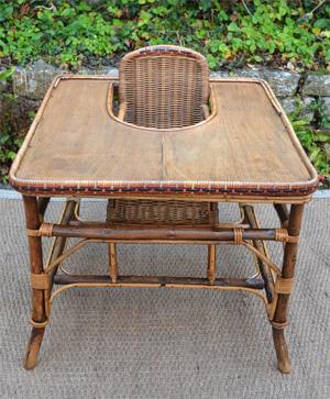 chaise basse pour enfant en rotin tress. Black Bedroom Furniture Sets. Home Design Ideas