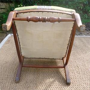 belle chaise ancienne assise basse coin du feu garniture tissu. Black Bedroom Furniture Sets. Home Design Ideas