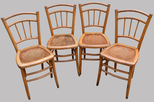 4 chaises de bistrot anciennes assise gaufr e. Black Bedroom Furniture Sets. Home Design Ideas