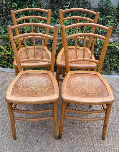 4 chaises de bistrot anciennes assise gaufr e. Black Bedroom Furniture Sets. Home Design Ideas