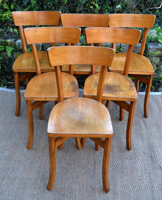 Six chaises de bistrot anciennes l gantes en hetre clair for Chaises bistrot anciennes