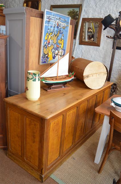 comptoir ancien boutique bar ancien meuble de m tier. Black Bedroom Furniture Sets. Home Design Ideas