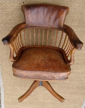 fauteuil de bureau ancien pivotant bois assise ety dossier cuir. Black Bedroom Furniture Sets. Home Design Ideas