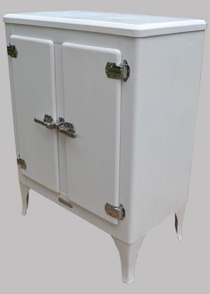 glaci re ancienne gem meuble de cuisine de fabrication am ricaine. Black Bedroom Furniture Sets. Home Design Ideas