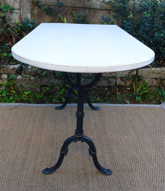 Table de bistrot avec pied fonte godin france - Table bistrot marbre ovale ...