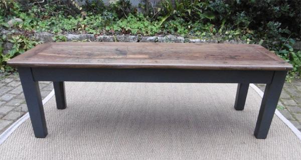 Longue et troite table basse ancienne pour salon en - Longue table basse ...