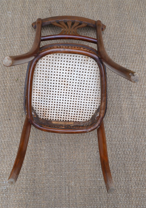 paire de chaises de l 39 exceptionnel salon fischel avec banquette et deux fauteuils. Black Bedroom Furniture Sets. Home Design Ideas