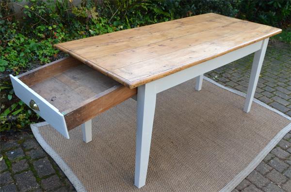Table ancienne bois avec tiroir for Table bois ancienne rectangulaire