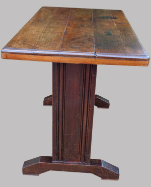 table de bistrot ancienne des ann es 1950 en bois sombre. Black Bedroom Furniture Sets. Home Design Ideas