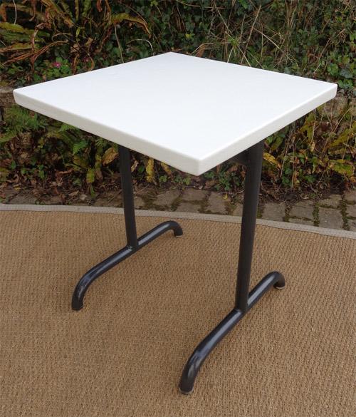 Paire de tables de jardin m talliques for Petite table de jardin metallique