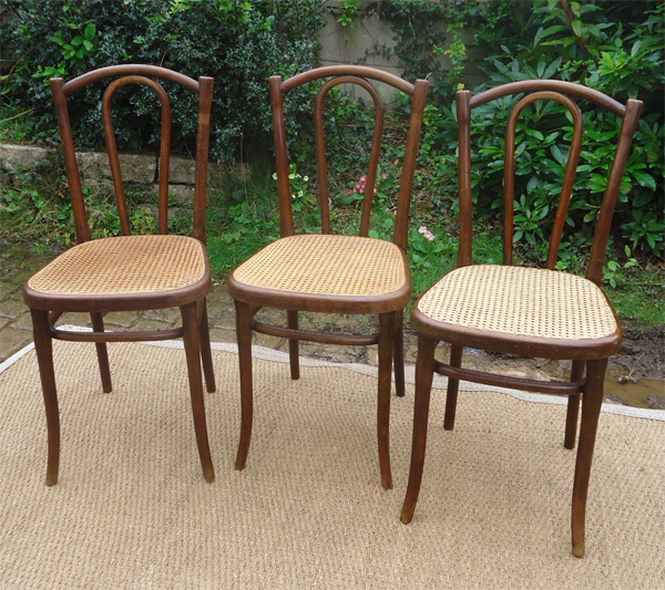 trois chaises thonet anciennes assise cann e. Black Bedroom Furniture Sets. Home Design Ideas