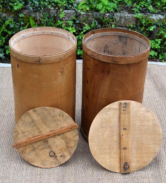 Caisses anciennes en bois pour le transport et le stockage du beurre - Fut en bois ...