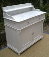 galerie de meubles peints anciens buffets peints commodes tables de caract re. Black Bedroom Furniture Sets. Home Design Ideas