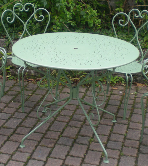 Salon de jardin fer forge for Table jardin fer forge occasion