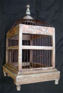 ancienne cage d 39 oiseau faite pour le transport. Black Bedroom Furniture Sets. Home Design Ideas