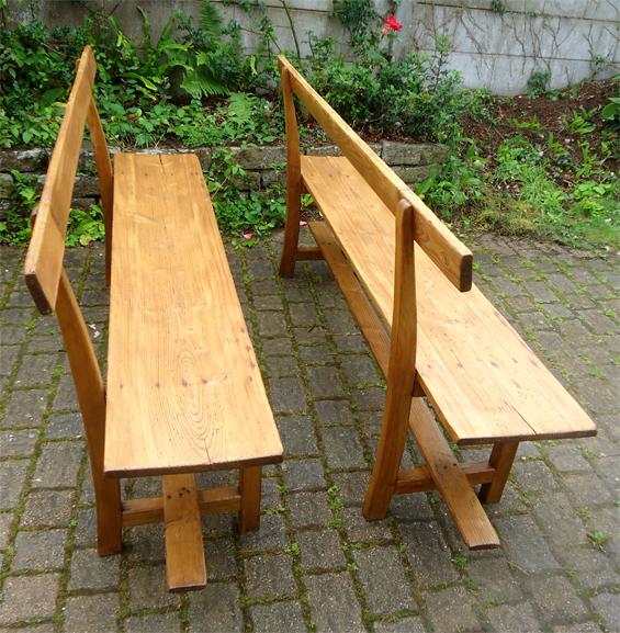paire de bancs anciens avec large assise et dossier en pin. Black Bedroom Furniture Sets. Home Design Ideas