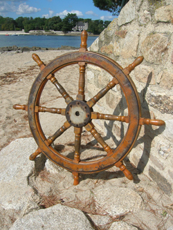 ancienne barre a roue de bateau antiquite marine. Black Bedroom Furniture Sets. Home Design Ideas