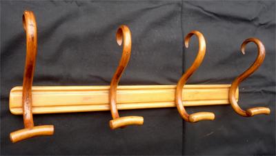 Pat res anciennes en bois courb porte manteaux for Porte manteau baumann