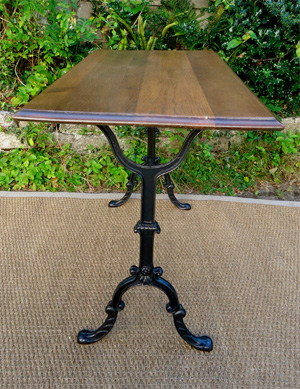 bistro table ancienne pieds en fonte et plateau. Black Bedroom Furniture Sets. Home Design Ideas