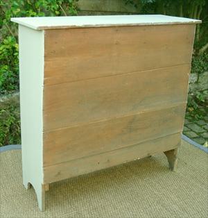 Petit buffet ancien haut et etroit en bois peint avec 2 for Meuble rangement tres etroit