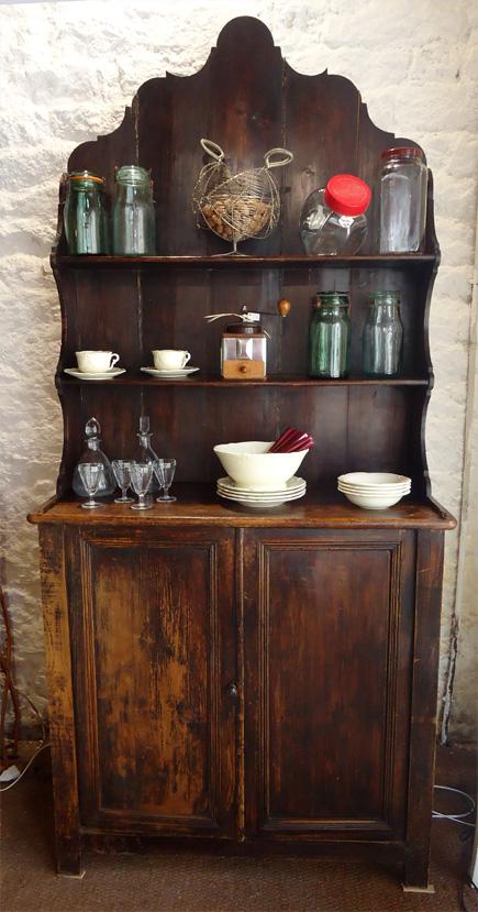 authentique buffet vaisselier ancien en bois naturel patin. Black Bedroom Furniture Sets. Home Design Ideas