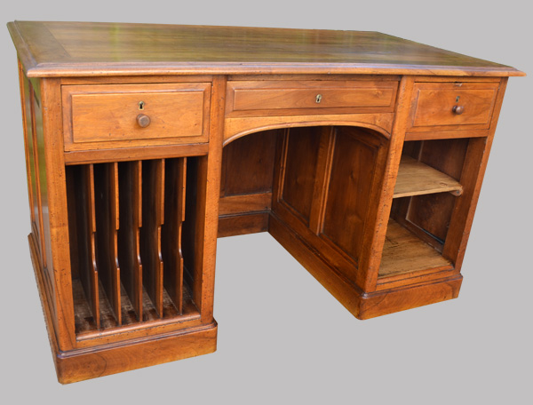 bureau d 39 administration en noyer vers 1925. Black Bedroom Furniture Sets. Home Design Ideas