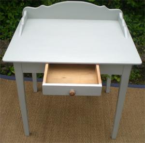 S duisante petite table bureau en bois peint for Petit bureau tiroir