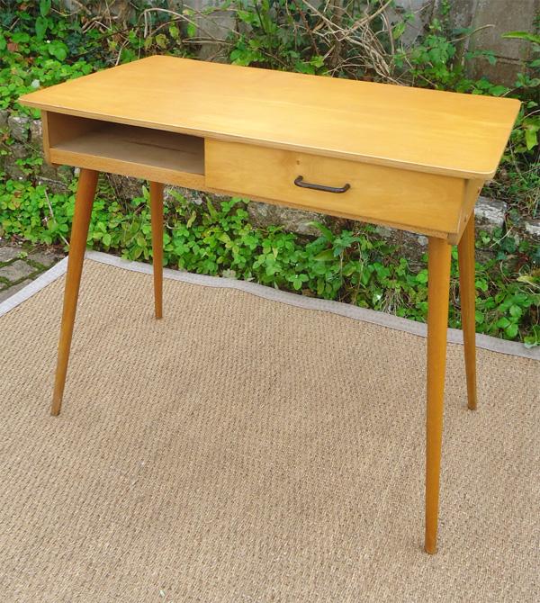 Joli petit bureau colier vintage - Bureau d ecolier vintage ...