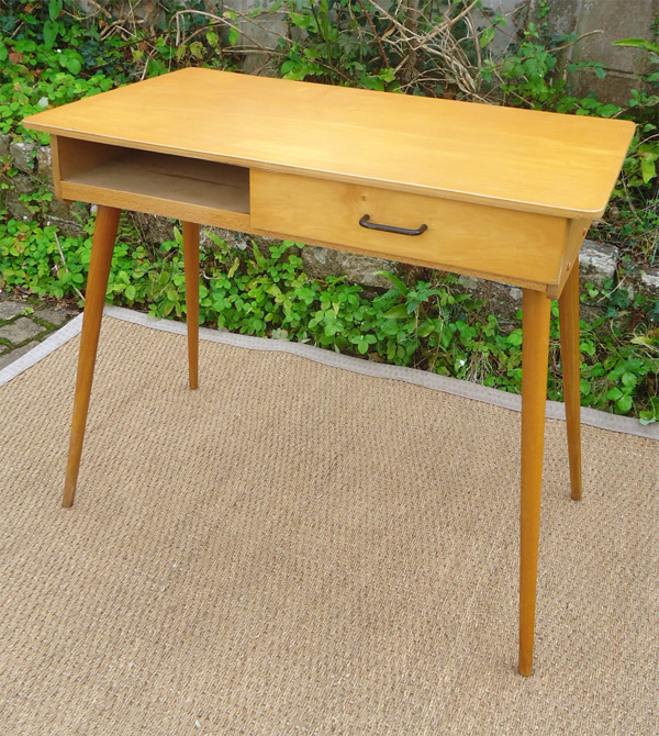 Joli petit bureau colier vintage - Petit bureau vintage ...