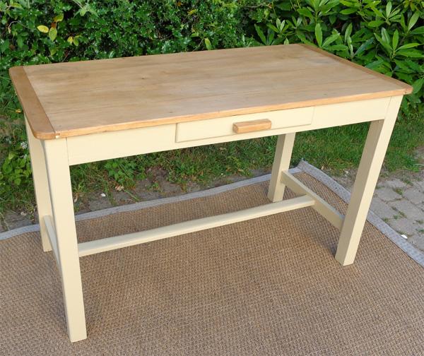 table bureau rectangulaire avec plateau en bois naturel. Black Bedroom Furniture Sets. Home Design Ideas
