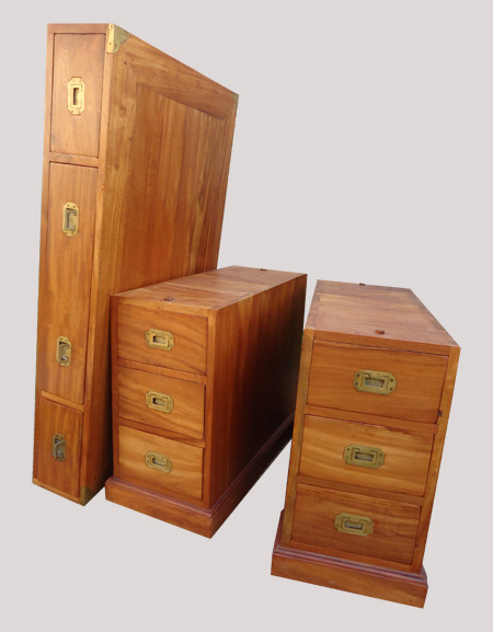 tr s beau bureau deux colonnes de caissons fonctionnel en margousier. Black Bedroom Furniture Sets. Home Design Ideas