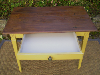 Petit bureau d 39 appoint en chataignier pietement peint for Petit bureau tiroir