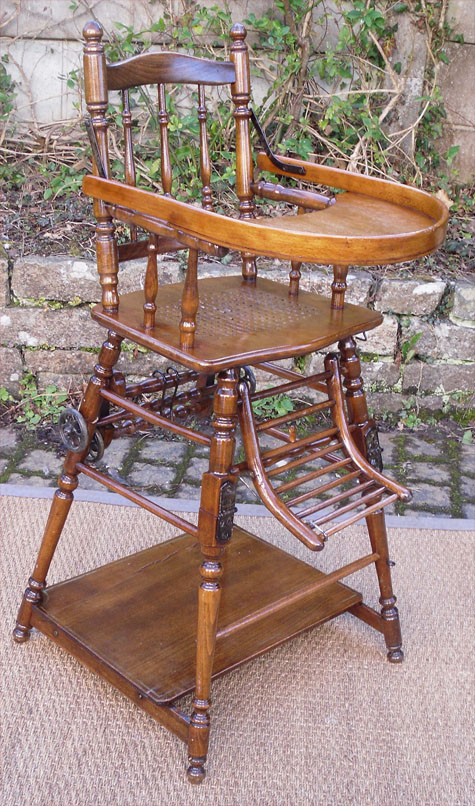 Ancienne Chaise Haute Pour Enfant En Chene Qui Se Transforme Basse