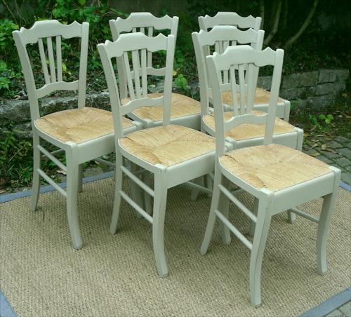 six belles chaises paill es peintes avec bandeau sous l 39 assise. Black Bedroom Furniture Sets. Home Design Ideas