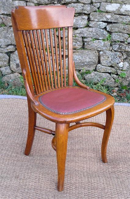 jolie et originale chaise de bureau en chene des ann es 1950. Black Bedroom Furniture Sets. Home Design Ideas