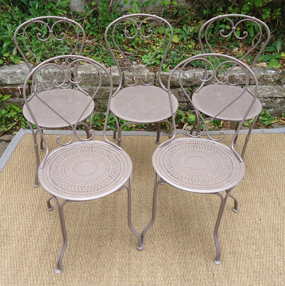 En fer forge le paradis salon de jardin loona tonnelle pictures - Table et chaise fer forge ...