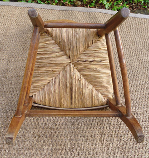 belle chaise de nourrice ancienne en merisier. Black Bedroom Furniture Sets. Home Design Ideas