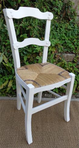 paire de chaises paill es anciennes d cor filet bleu. Black Bedroom Furniture Sets. Home Design Ideas