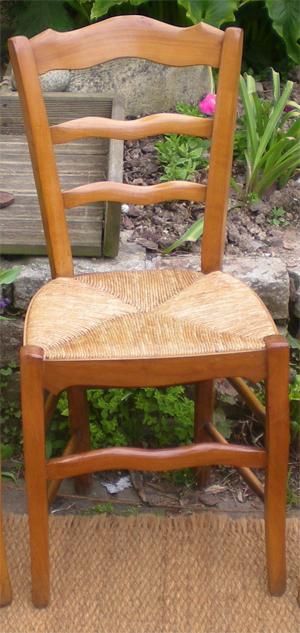 Trois belles chaises anciennes et authentiques en merisier for Chaise louis philippe ancienne