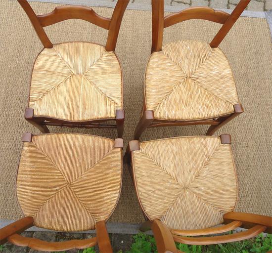 quatre belles chaises anciennes en merisier de style diff rents. Black Bedroom Furniture Sets. Home Design Ideas