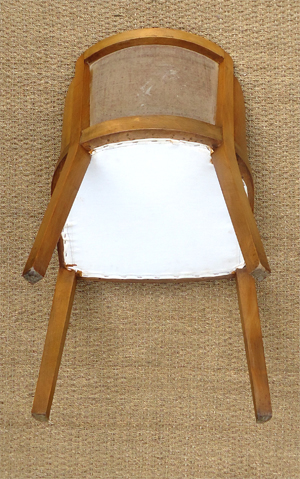 quartet de chaises en noyer garnies de cuir vert. Black Bedroom Furniture Sets. Home Design Ideas