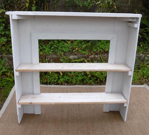 chemin e ancienne avec biblioth que int gr e. Black Bedroom Furniture Sets. Home Design Ideas