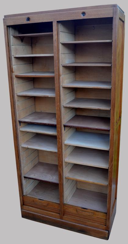 meuble bureau rideau coulissant quelques liens utiles classeur de bureau ancien fermant par. Black Bedroom Furniture Sets. Home Design Ideas