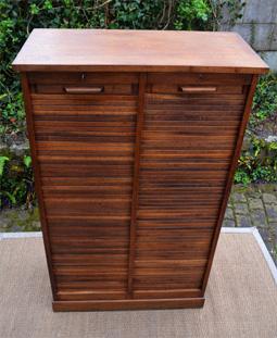 Classeur meuble de bureau avec deux volets roulants for Bureau meuble notaire