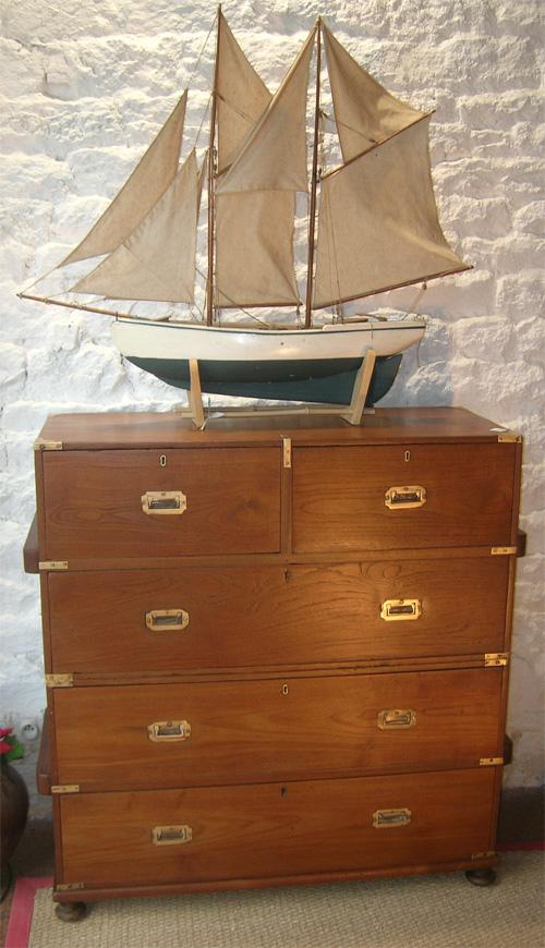meuble marine commode bateau teck commode officier de marine ancienne. Black Bedroom Furniture Sets. Home Design Ideas