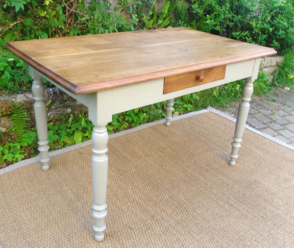 Bureau ancien en bois peint et plateau en bois naturel - Bureau en bois ancien ...