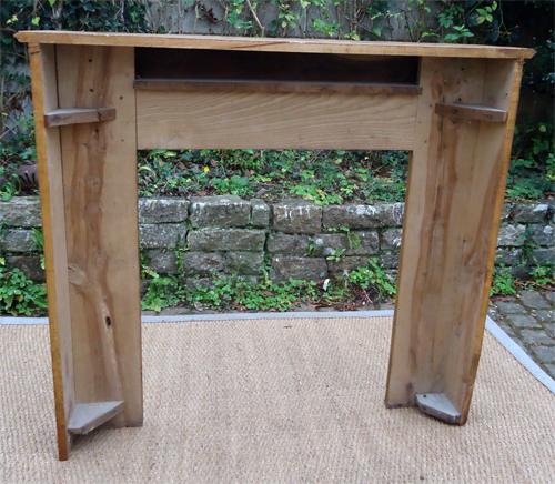 Tr s belle devanture de chemin e ancienne en bois naturel chene - Encadrement cheminee bois ...