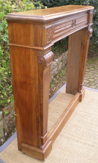 Cheminee ancienne encadrement bois style fran ais classique for Coffre a bois cheminee