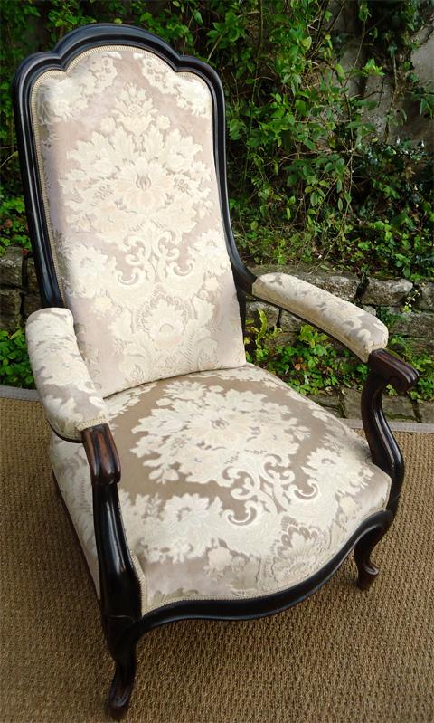 fauteuil ancien de style voltaire poque napol on iii. Black Bedroom Furniture Sets. Home Design Ideas